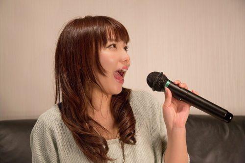 NKJ52_karaokeutauonnanoko500-thumb-750x500-2854